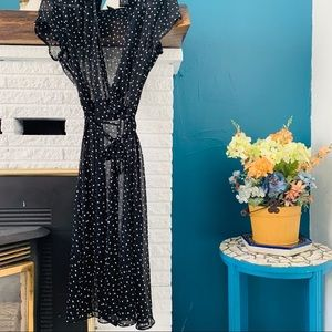 Dresses & Skirts - Vintage Polkadot Wrap Dress